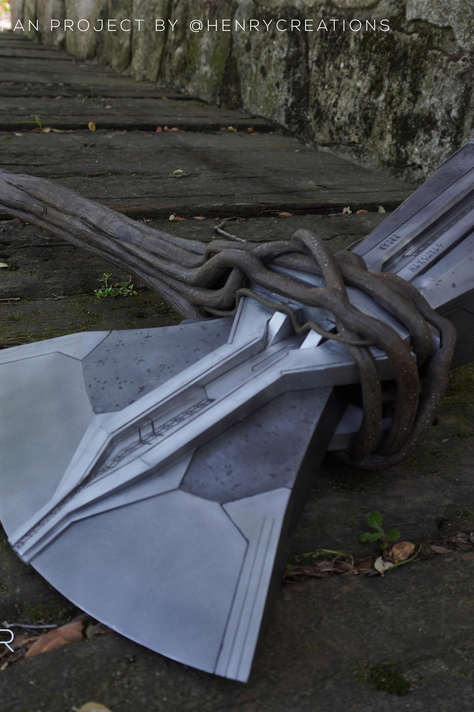 13. Henry Creations [España] Thor con Stormbreaker